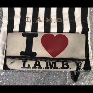 I ♥️ L.A.M.B. Clutch🎈